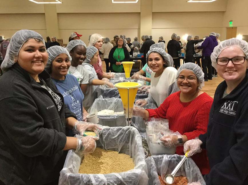 UNT Student Activities Rise Against Hunger Event